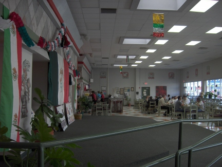 Cafe Mayapan's dining room