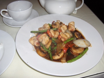 Basil stir fried with shrimp