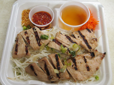 Grilled chicken and vermicelli