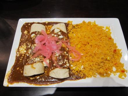 Mole enchiladas