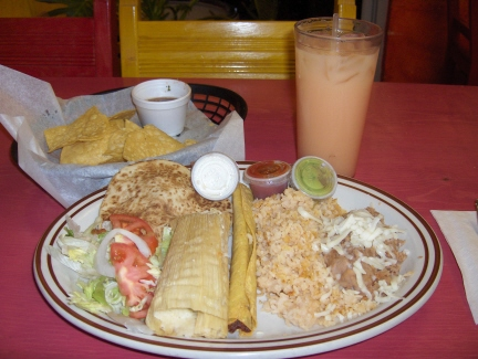Combination plate with agua fresca
