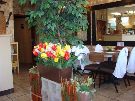 Charm Thai's dining room