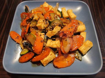 Tofu vegetable plate