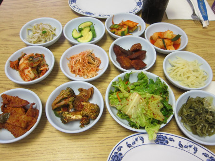 Vegetable side dishes served with dinner